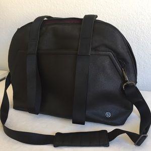 Lululemon black gym/ travel bag